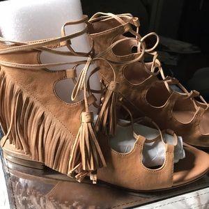 Soft leather with fringe gladiator sandals